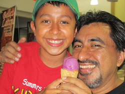 Josué and Fermin Chávez enjoying their ice cream